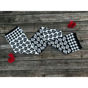 Accessories - Beautiful charters club scarf!